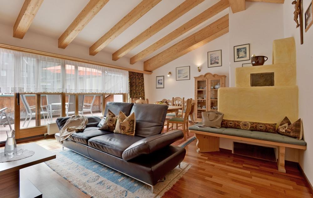 Wohnzimmer Apartment in Mayrhofen mit Kamin