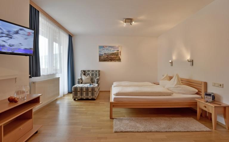 Ferienwohnung im Zillertal Schlafzimmer