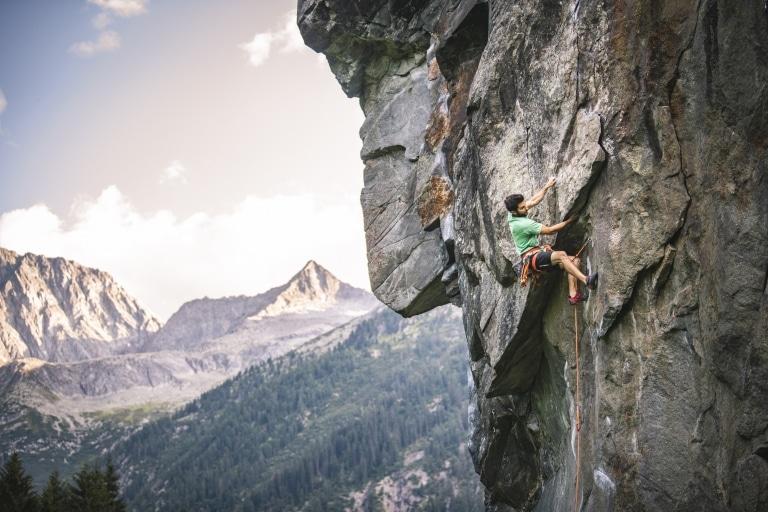 Sportklettern am Fels in Tirol